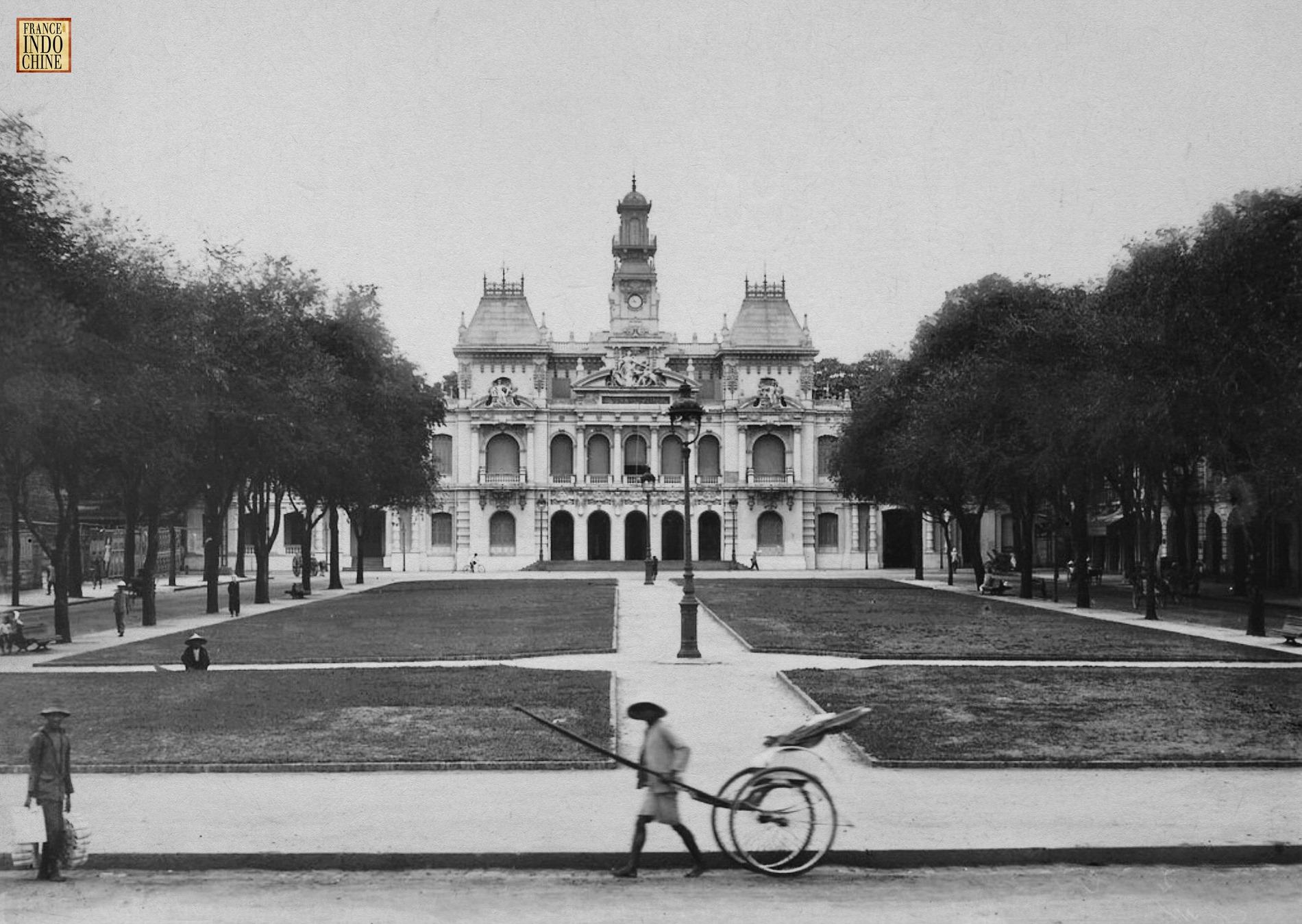 Phố đi bộ Nguyễn Huệ như một góc châu Âu thu nhỏ qua bộ ảnh đen –trắng