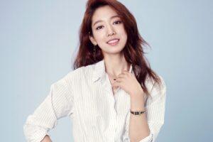 Diễn viên Park Shin Hye xác nhận âm tính với Covid-19