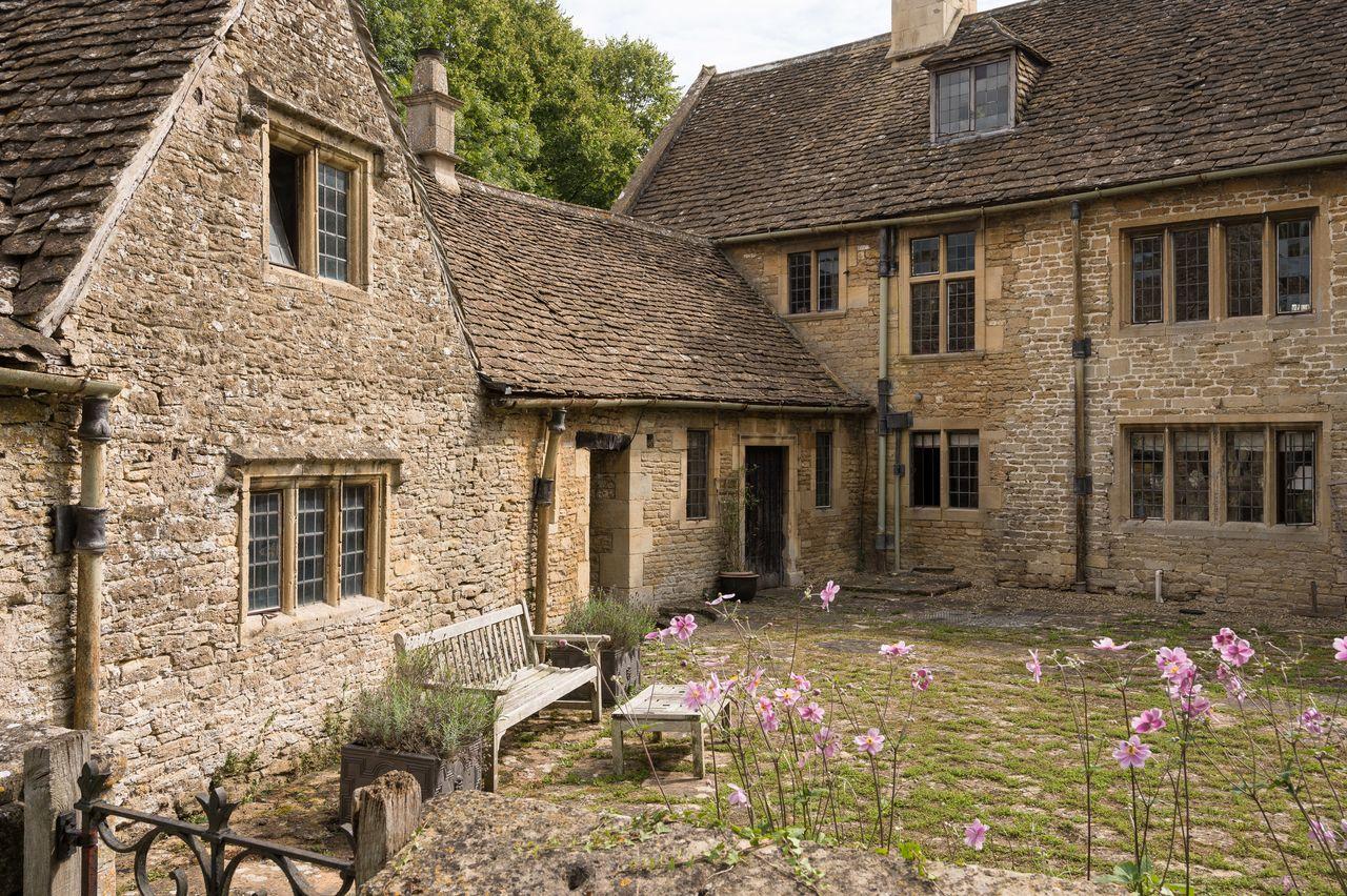 Trang viên hơn 400 năm tuổi ở Anh được bán với giá 2,25 triệu bảng