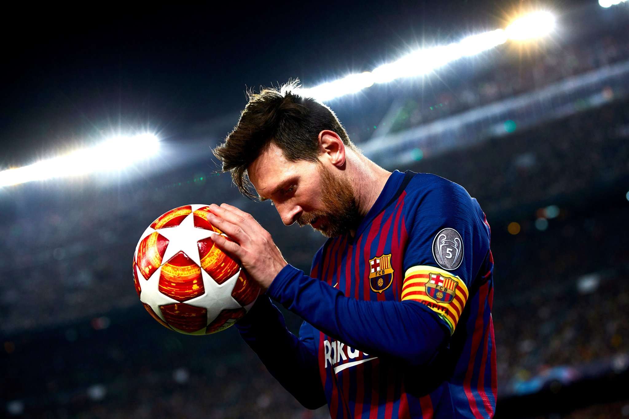 Messi sẽ ở lại Barcelona?