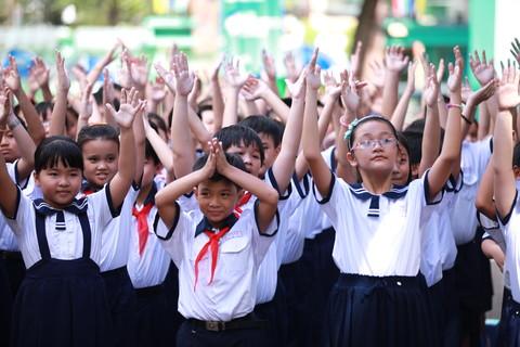 TPHCM: Học sinh, sinh viên bắt đầu đi học trở lại từ ngày 1/3