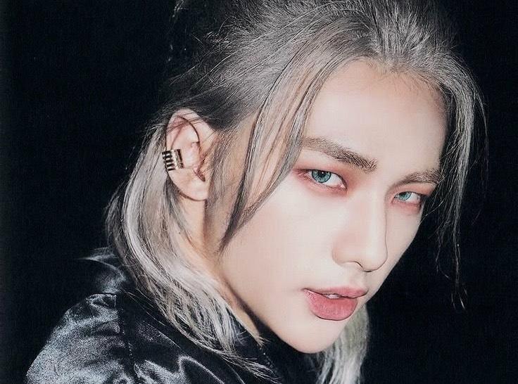 JYP thông báo mỹ nam Hyunjin (Stray Kids) sẽ dừng mọi hoạt động vô thời hạn sau khi fan kiên quyết đuổi khỏi nhóm