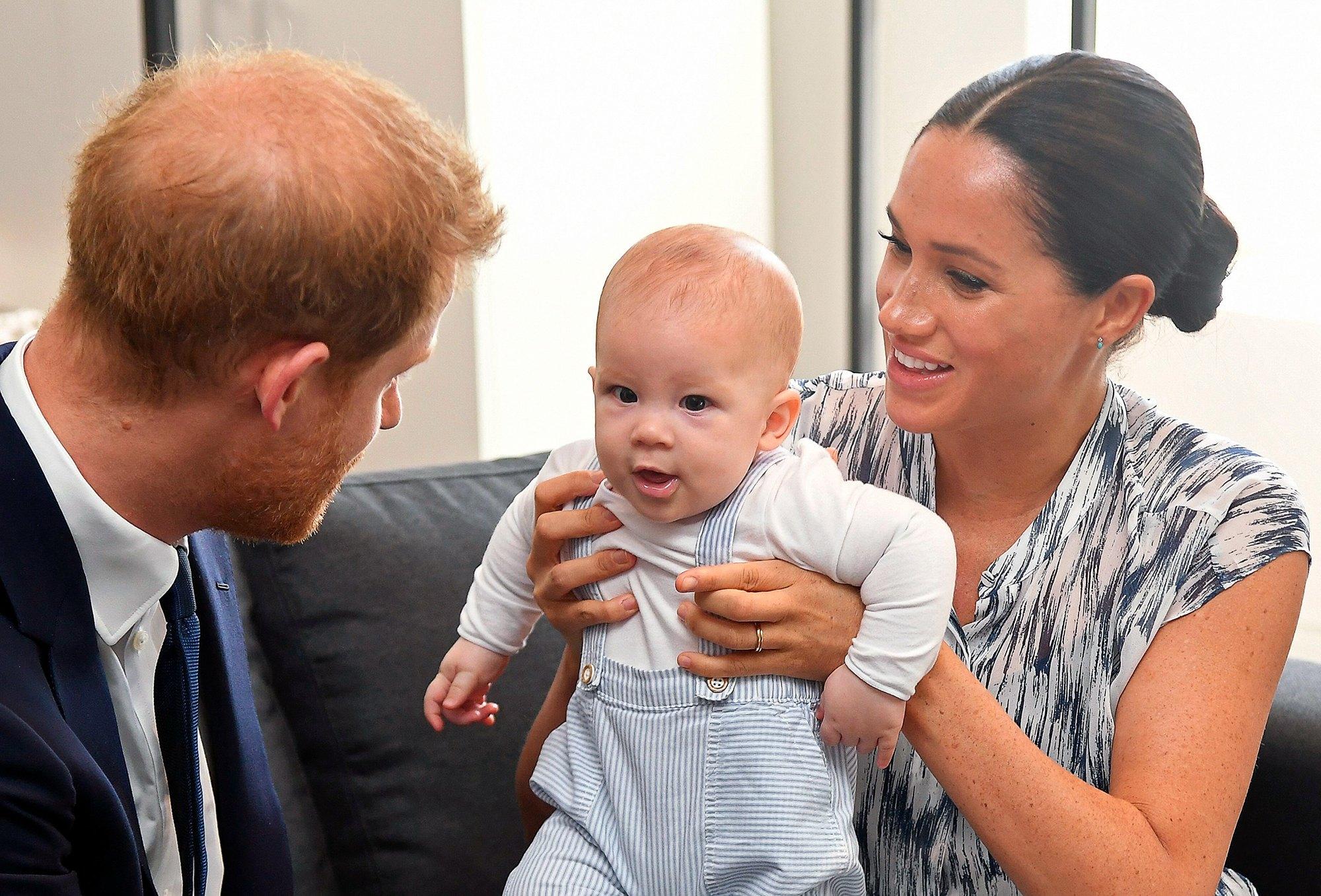 Vì sao con trai Archie Windsor của Harry và Meghan Markle không có tước vị Hoàng tử?