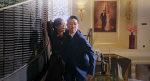 Ác nữ Seo Jin bí mật cầu xin Yoon Hee để thoát khỏi kẻ sát nhân Joo Dan Tae trong tập 10 Penthouse 2