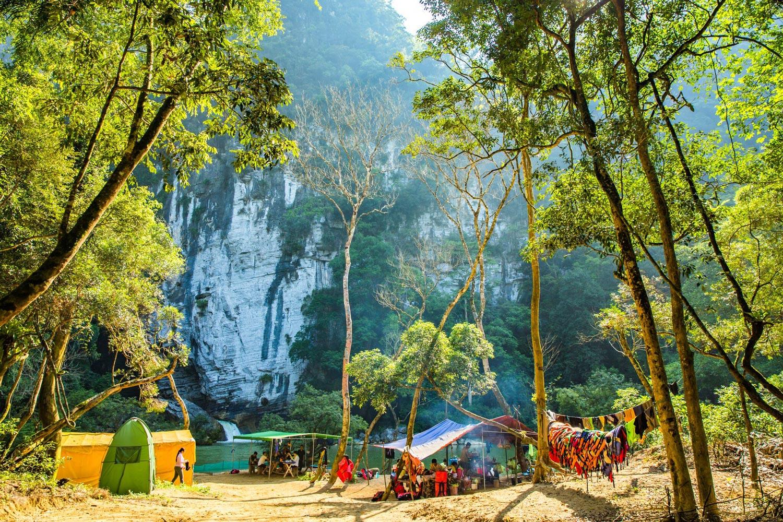 Hệ thống hang động Tú Làn - Khi mọi mỹ cảnh thiên nhiên đều thuộc về nơi đây!