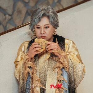 Giải mã phong cách thời trang hàng hiệu trong siêu phẩm Mine: Hoa hậu Lee Bo Young liệu xuất sắc hơn 2 mỹ nhân còn lại?