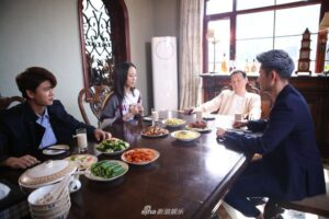 Vừa chia tay Địch Lệ Nhiệt Ba, Nhậm Gia Luân yêu con gái ông trùm xã hội đen Trương Quân Ninh trong Đừng Nói Tạm Biệt