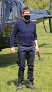 Rộ tin Tom Cruise nhiễm Covid-19 khiến quá trình quay bom tấn Nhiệm Vụ Bất Khả Thi 7 trì hoãn liên tục?