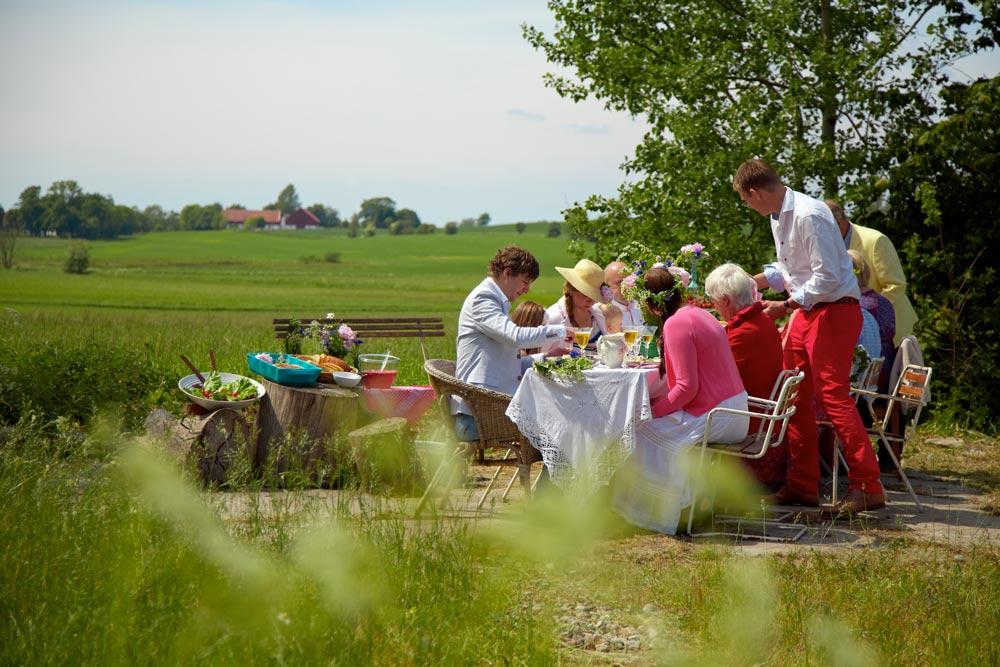 Cách người Thuỵ Điển tận hưởng lễ hội Midsummer an toàn và độc đáo trong thời Covid-19