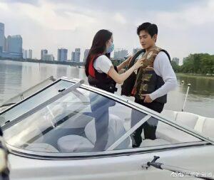 Dương Dương và Địch Lệ Nhiệt Ba tình bể tình trong Em Là Niềm Kiêu Hãnh Của Anh