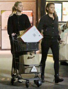 Mỹ nhân Aquaman - Amber Heard khoe ảnh con gái sau 5 năm ly hôn Johnny Depp