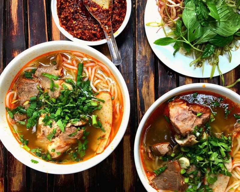 Cách nấu bún bò cực ngon theo công thức đặc trưng 3 miền Bắc - Trung - Nam