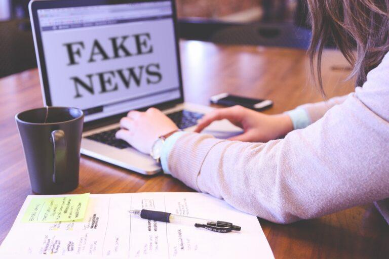 """Hiểu về Media Gaslighting và cách nhận biết bạn có bị """"Truyền thông thao túng tâm trí""""?"""